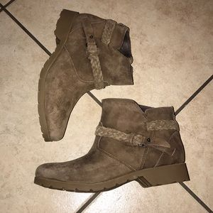 Women's TEVA SAMPLE PAIR SUADE ANKLE BOOTS #7